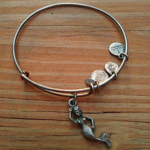 Alex & Ani Mermaid charm bangle.🌊